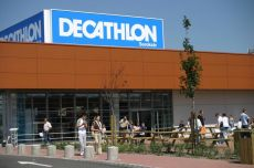 Szakít a Decathlon is
