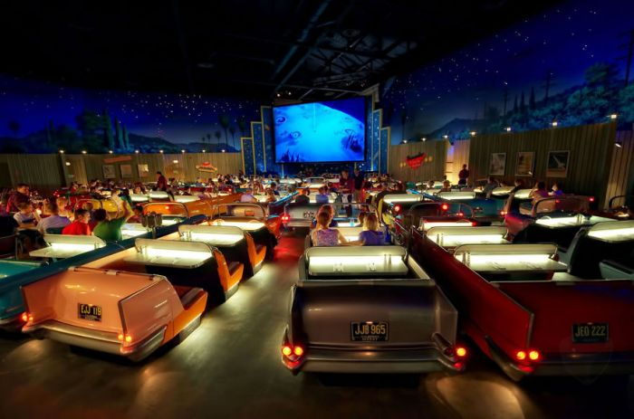 Sci-fi Dine-in Theater, Los Angeles
